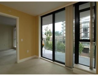 Photo 6: 404 175 West 1st Street in North Vancouver: Lower Lonsdale Condo for sale : MLS®# V790395