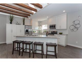 Photo 3: 11366-11370 MAPLE CRESCENT in Maple Ridge: Southwest Maple Ridge House for sale : MLS®# R2389937