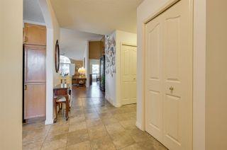 Photo 4: 198 OEMING Road in Edmonton: Zone 14 House Half Duplex for sale : MLS®# E4255355