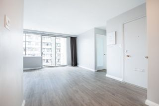 Photo 3: 702 1219 HARWOOD STREET in Vancouver West: Home for sale : MLS®# R2313439