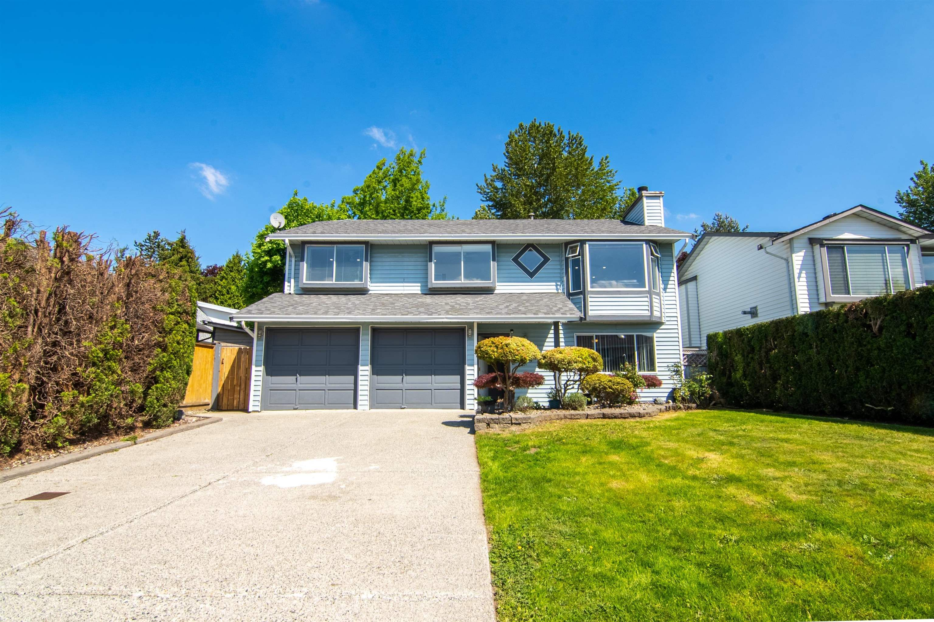 Main Photo: 20085 119A Avenue in Maple Ridge: Southwest Maple Ridge House for sale : MLS®# R2625110