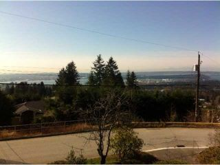 Photo 2: 176 E ROCKLAND Road in North Vancouver: Upper Lonsdale House for sale : MLS®# V997988