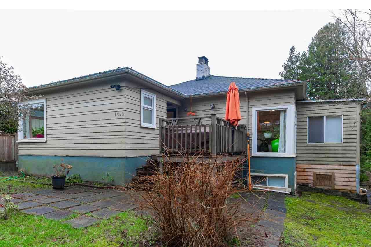 Main Photo: 1590 KINGS Avenue in West Vancouver: Ambleside House for sale : MLS®# R2531242