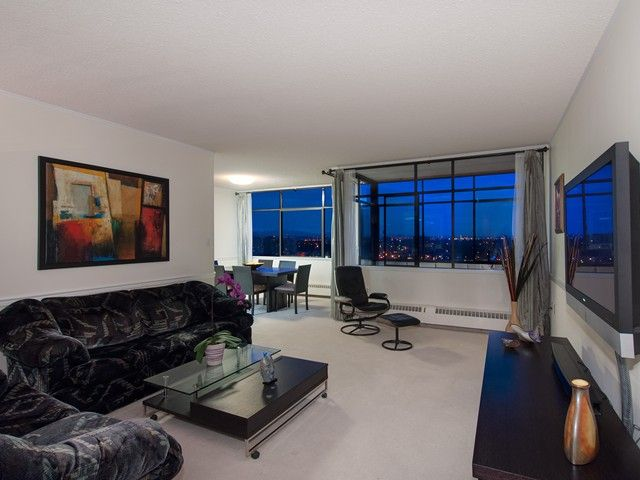 """Main Photo: 1614 6631 MINORU Boulevard in Richmond: Brighouse Condo for sale in """"Regency Park Towers"""" : MLS®# V1046882"""