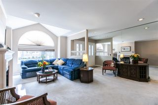 """Photo 4: 108 6109 W BOUNDARY Drive in Surrey: Panorama Ridge Townhouse for sale in """"Lakewood Gardens"""" : MLS®# R2197585"""