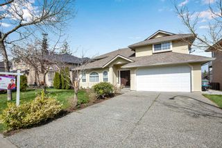 Photo 1: 8068 168A Street in Surrey: Fleetwood Tynehead House for sale : MLS®# R2559682