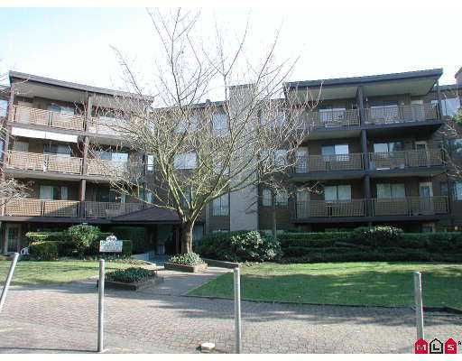 "Main Photo: 112 10644 151A ST in Surrey: Guildford Condo for sale in ""LINCOLN'S HILL"" (North Surrey)  : MLS®# F2503915"