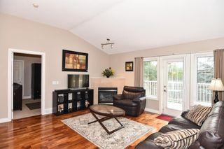 Photo 11: 71 Cedargrove Lane SW in Calgary: Cedarbrae Semi Detached for sale : MLS®# A1132179