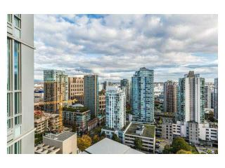 """Photo 1: 2310 833 SEYMOUR Street in Vancouver: Downtown VW Condo for sale in """"CAPITOL RESIDENCES"""" (Vancouver West)  : MLS®# R2242154"""
