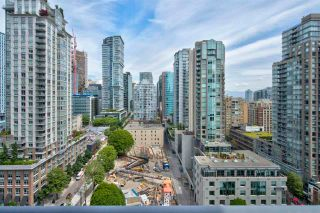 """Photo 5: 1803 928 RICHARDS Street in Vancouver: Yaletown Condo for sale in """"The Savoy"""" (Vancouver West)  : MLS®# R2591014"""