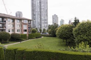 """Photo 13: 204 4728 DAWSON Street in Burnaby: Brentwood Park Condo for sale in """"MONTAGE"""" (Burnaby North)  : MLS®# R2470579"""