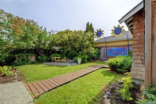 Photo 27: 235 Howe St in : Vi Fairfield West House for sale (Victoria)  : MLS®# 796825