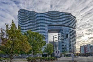 "Photo 2: 2508 89 NELSON Street in Vancouver: Yaletown Condo for sale in ""THE ARC"" (Vancouver West)  : MLS®# R2516690"