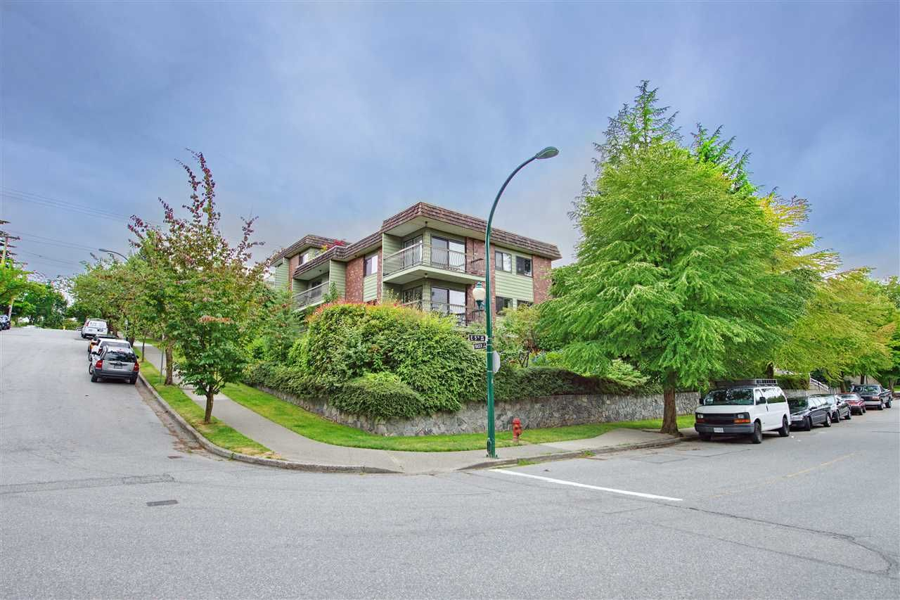 "Main Photo: 213 680 E 5TH Avenue in Vancouver: Mount Pleasant VE Condo for sale in ""MACDONALD HOUSE"" (Vancouver East)  : MLS®# R2386585"