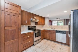 "Photo 6: 11 7491 NO. 1 Road in Richmond: Quilchena RI Townhouse for sale in ""QUILCHENA PARK ESTATES"" : MLS®# R2625632"
