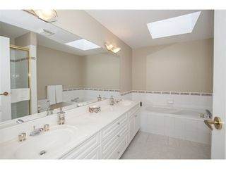 Photo 10: 301 1221 JOHNSTON Road in Presidents Court: Home for sale : MLS®# F1430563