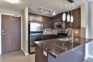 """Photo 3: 2007 888 CARNARVON Street in New Westminster: Downtown NW Condo for sale in """"Marinus at Plaza 88"""" : MLS®# R2333675"""