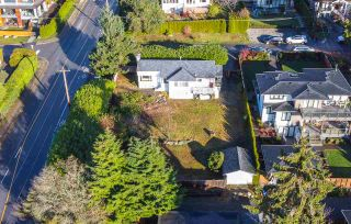 Photo 2: 1490 NELSON Avenue in West Vancouver: Ambleside House for sale : MLS®# R2496332