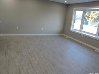 Photo 5: 17 Henderson Drive in Yorkton: North YO Residential for sale : MLS®# SK852875
