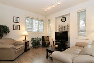 """Photo 3: 24 12161 237 Street in Maple Ridge: East Central Townhouse for sale in """"VILLAGE GREEN"""" : MLS®# R2235626"""