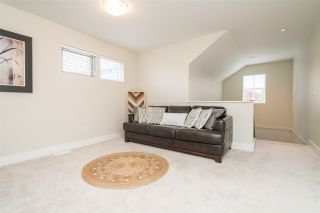 """Photo 12: 2 22057 49 Avenue in Langley: Murrayville Townhouse for sale in """"Heritage"""" : MLS®# R2452643"""