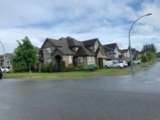 Main Photo: 2798 CARRIAGE Court in Abbotsford: Aberdeen House for sale : MLS®# R2588312