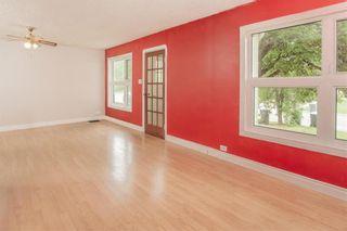 Photo 9: 139 James Street East in Morris: R17 Residential for sale : MLS®# 202118255