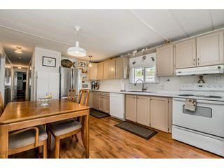 """Photo 5: 141 1840 160 Street in Surrey: King George Corridor Manufactured Home for sale in """"BREAKAWAY BAYS"""" (South Surrey White Rock)  : MLS®# R2367996"""