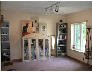 Photo 2: 441 EDGEWOOD Street in WINNIPEG: St Boniface Residential for sale (South East Winnipeg)  : MLS®# 2810943