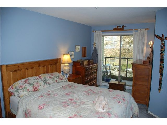Photo 4: Photos: 404 210 CARNARVON Street in New Westminster: Downtown NW Condo for sale : MLS®# V924567