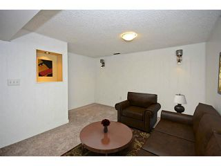 Photo 11: 10 BLACKTHORN Place NE in CALGARY: Thorncliffe Residential Detached Single Family for sale (Calgary)  : MLS®# C3591166