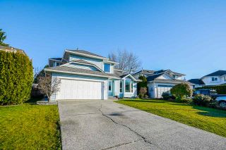Photo 3: 21071 92 Avenue in Langley: Walnut Grove House for sale : MLS®# R2531110