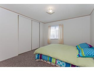 """Photo 12: 46 15875 20 Avenue in Surrey: King George Corridor Manufactured Home for sale in """"SEA RIDGE BAYS"""" (South Surrey White Rock)  : MLS®# R2192542"""