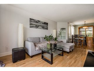 """Photo 5: 213 9952 149 Street in Surrey: Guildford Condo for sale in """"Tall Timbers"""" (North Surrey)  : MLS®# R2366920"""