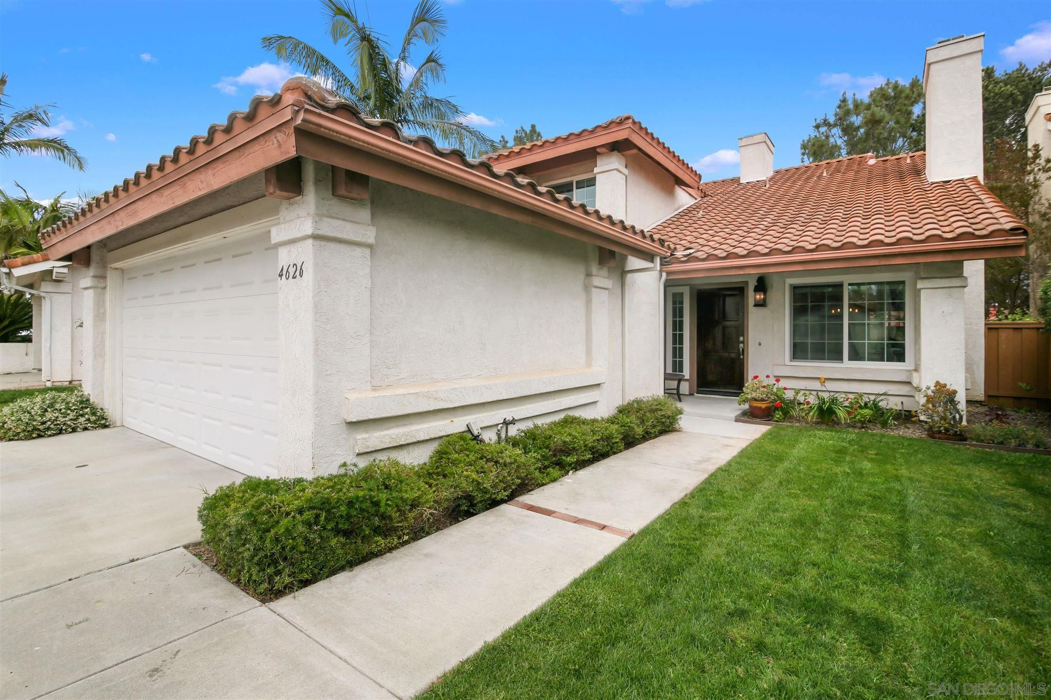 Main Photo: CARMEL VALLEY House for sale : 4 bedrooms : 4626 Exbury Ct in San Diego