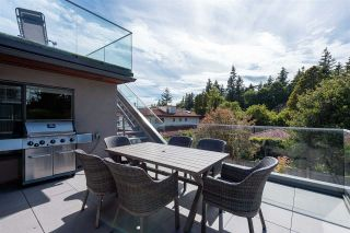 """Photo 31: 1451 BISHOP Road: White Rock House for sale in """"West White Rock"""" (South Surrey White Rock)  : MLS®# R2591430"""