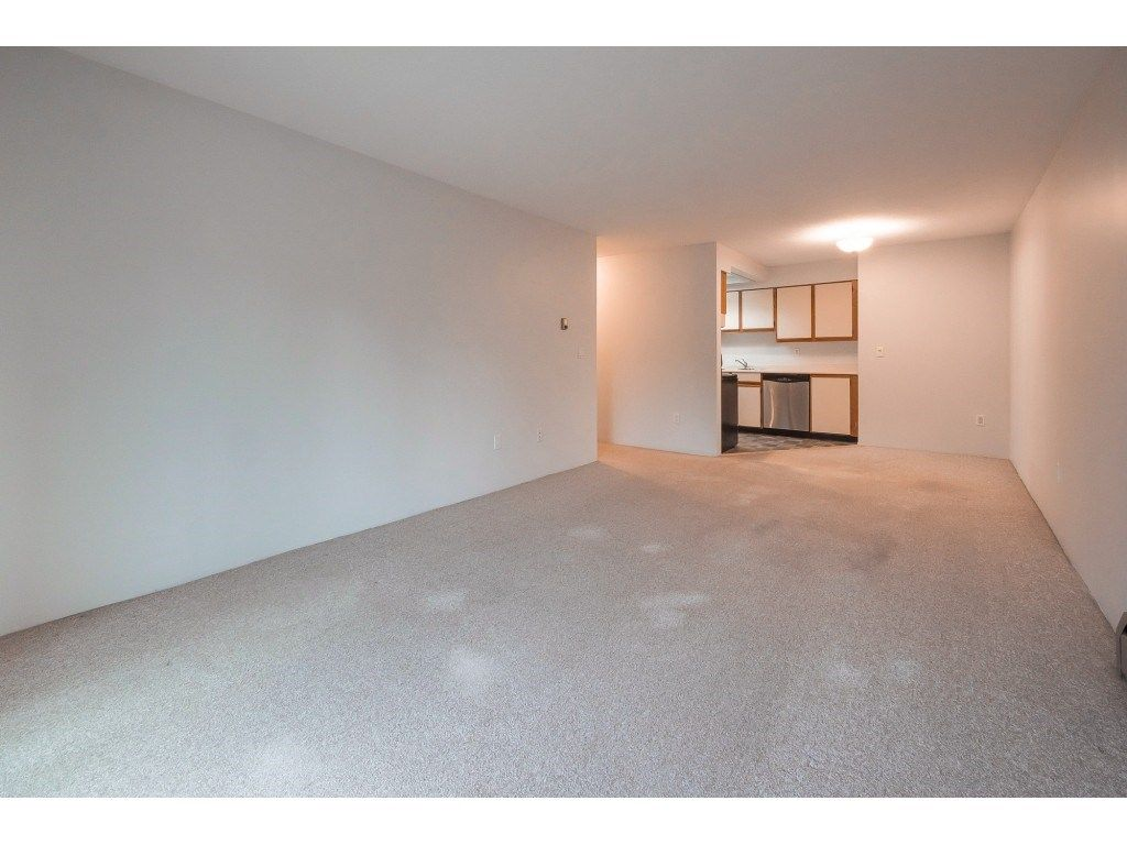 "Photo 10: Photos: 309 2684 MCCALLUM Road in Abbotsford: Central Abbotsford Condo for sale in ""Ridgeview"" : MLS®# R2358265"