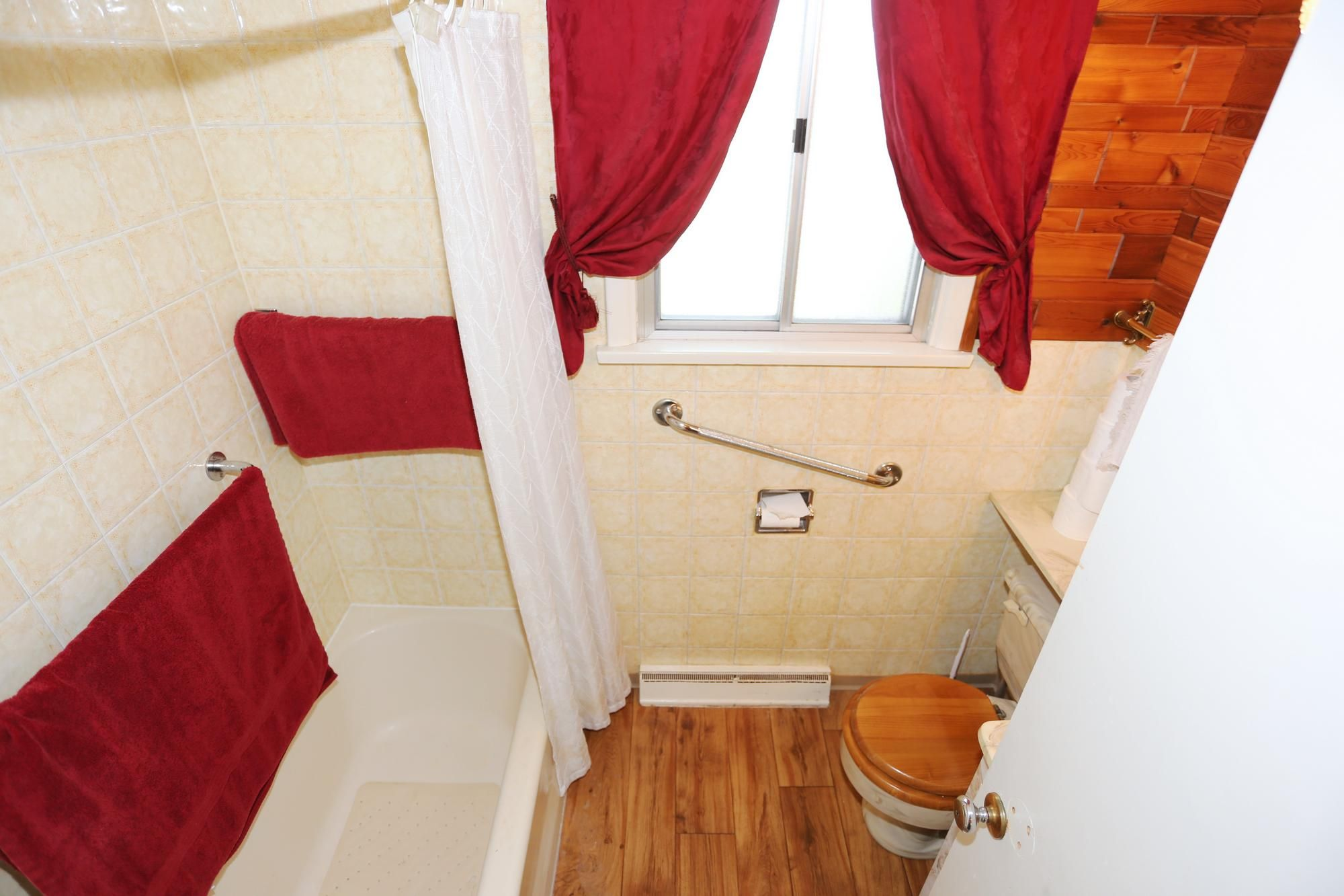 Photo 14: Photos: 1320 Valour Road in Winnipeg: West End Single Family Detached for sale (5C)  : MLS®# 1816744