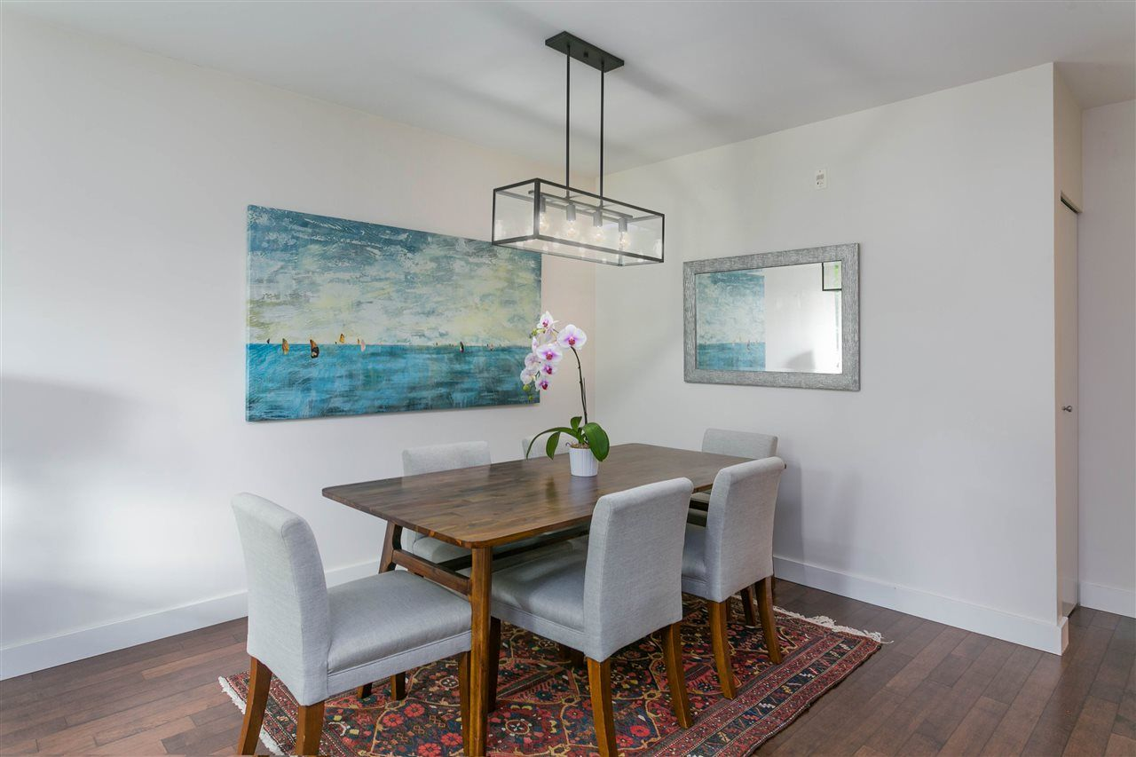 """Photo 10: Photos: 401 E 16TH Avenue in Vancouver: Mount Pleasant VE Condo for sale in """"Sixteen East"""" (Vancouver East)  : MLS®# R2494870"""