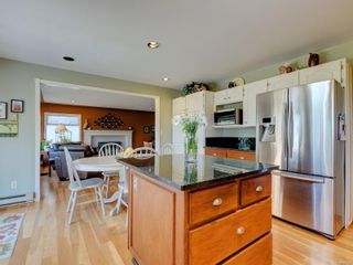 Photo 13: 1017 Southover Lane in : SE Broadmead House for sale (Saanich East)  : MLS®# 881928