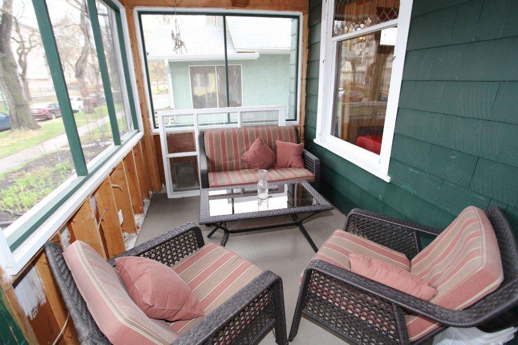 Photo 3: Photos: 29 Lenore Street in Winnipeg: Wolseley Duplex for sale (West Winnipeg)  : MLS®# 1411176
