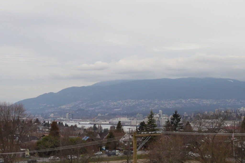 """Photo 13: Photos: PH5 388 KOOTENAY Street in Vancouver: Hastings East Condo for sale in """"VIEW 388"""" (Vancouver East)  : MLS®# R2150630"""