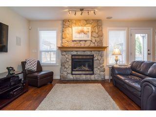 "Photo 8: 16757 61 Avenue in Surrey: Cloverdale BC House for sale in ""Clover Ridge Estates"" (Cloverdale)  : MLS®# R2151622"