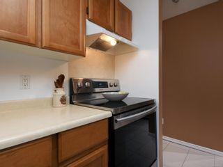 Photo 4: 209 726 Lampson St in : Es Rockheights Condo for sale (Esquimalt)  : MLS®# 863514