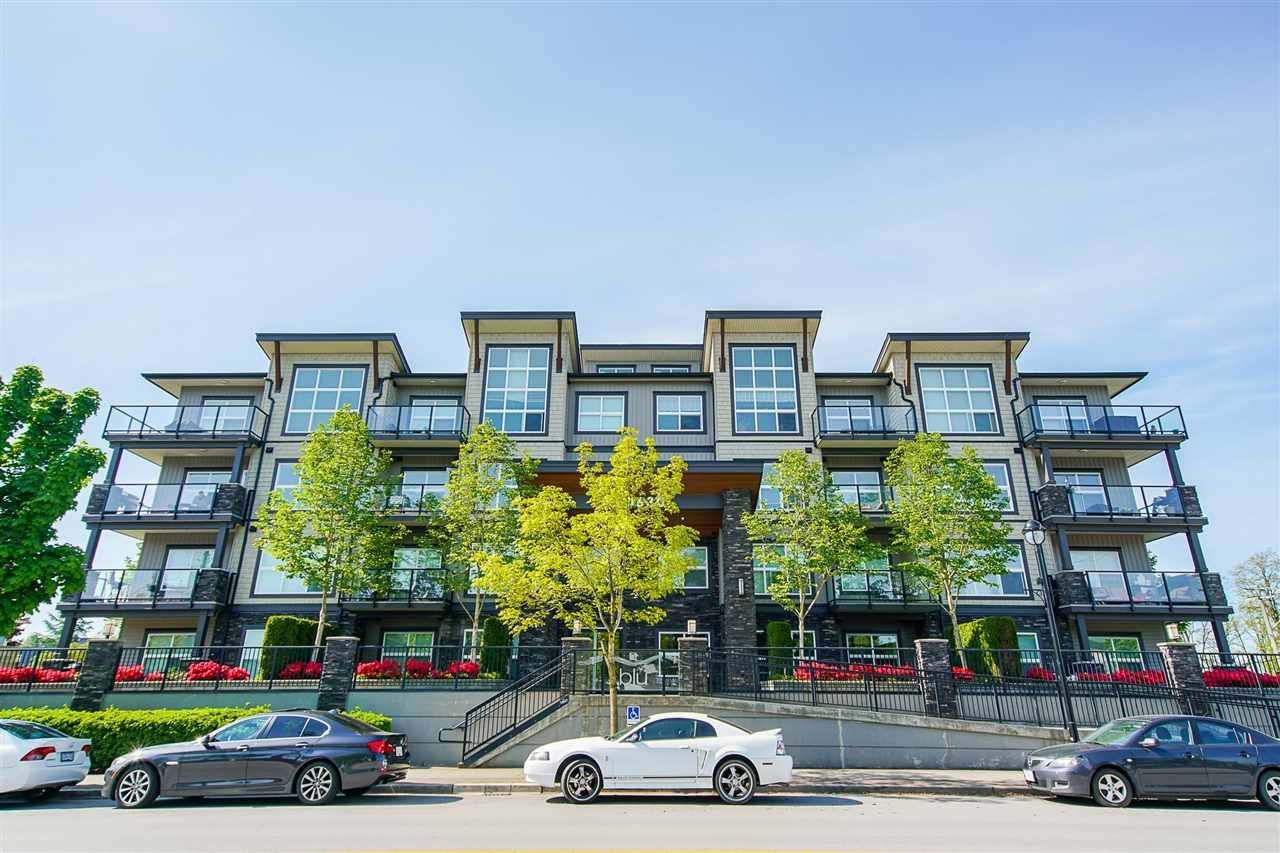 """Main Photo: 302 20630 DOUGLAS Crescent in Langley: Langley City Condo for sale in """"Blu"""" : MLS®# R2585510"""