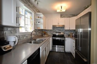 Photo 4: A 1910 Noort Pl in : CV Courtenay City Half Duplex for sale (Comox Valley)  : MLS®# 871294