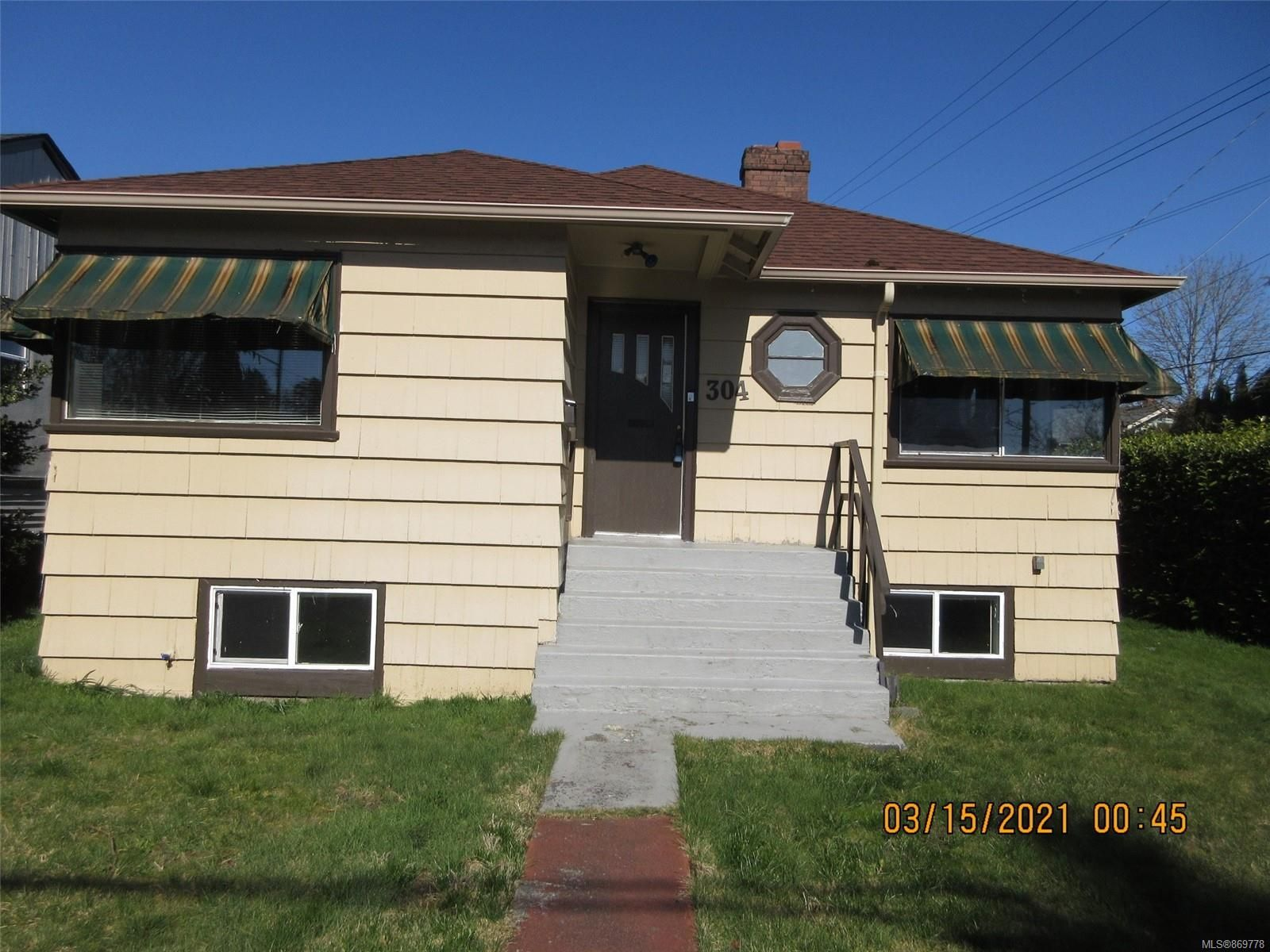 Main Photo: 304 2nd St in : Na University District House for sale (Nanaimo)  : MLS®# 869778