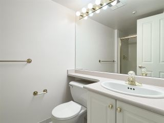 """Photo 14: 210 2105 W 42ND Avenue in Vancouver: Kerrisdale Condo for sale in """"BROWNSTONE"""" (Vancouver West)  : MLS®# R2582976"""