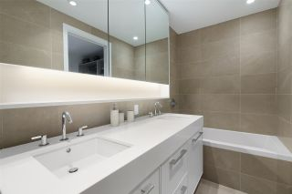 """Photo 19: 101 1055 RIDGEWOOD Drive in North Vancouver: Edgemont Townhouse for sale in """"CONNAUGHT"""" : MLS®# R2589263"""