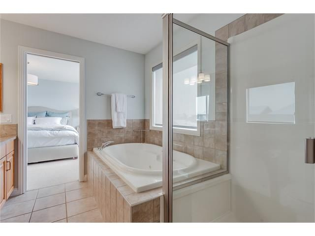 Photo 22: Photos: 46 PRESTWICK Parade SE in Calgary: McKenzie Towne House for sale : MLS®# C4103009